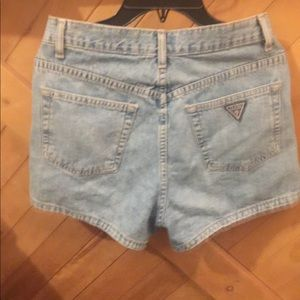 High wasted Guess jeans SHORTS